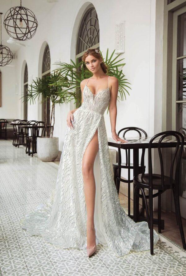 Töt fehér, hasított, csillámló tüll menyasszonyi ruha 1