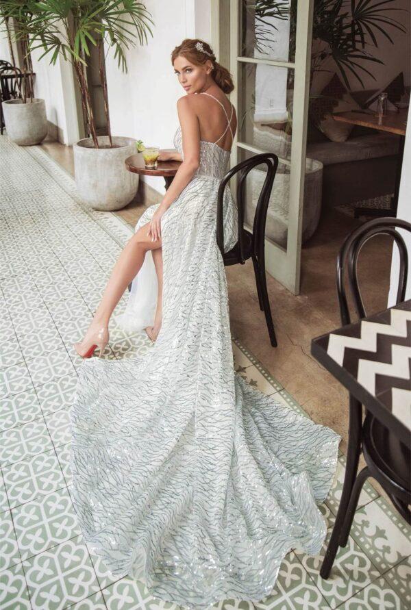 Tört fehér, hasított, csillámló tüll menyasszonyi ruha 1