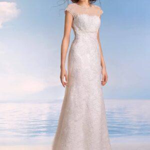 Zárt, karcsúsított, tört fehér csipke menyasszonyi ruha 1