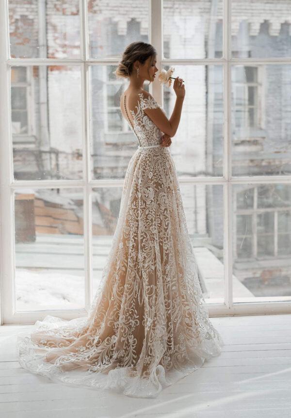 Cappuccino csipke menyasszonyi ruha 1