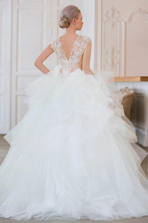 Tépett tüll, vállpántos csipke felsős menyasszonyi ruha