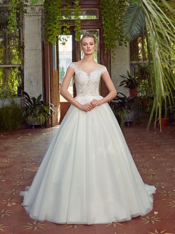 Ejtett vállpántos, virágos menyasszonyi ruha