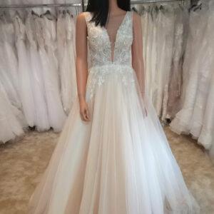 Karamell vállpántos menyasszonyi ruha 1