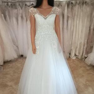 Vállpántos, lágy esésű tüll menyasszonyi ruha