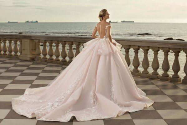 Light púder menyasszonyi ruha