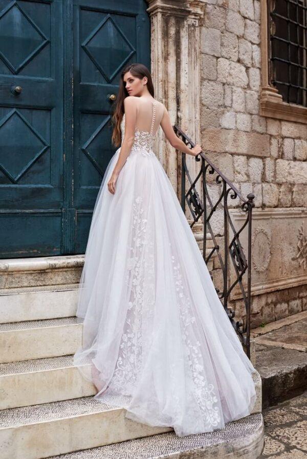 light karamell A vonalú menyasszonyi ruha 1