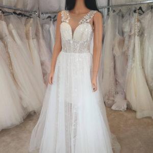 Lágyesésű áttetsző tüll menyasszonyi ruha 1
