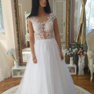 Levél mintás, lágy tüll menyasszonyi ruha