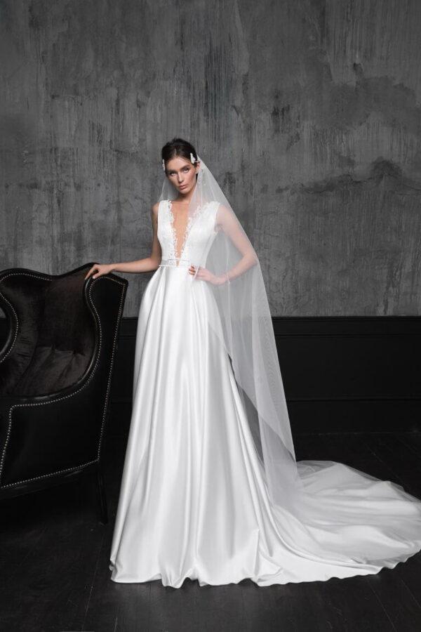 Szatén menyasszonyi ruha 1