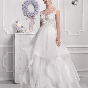 Fodros, puha csipke vállpántos menyasszonyi ruha