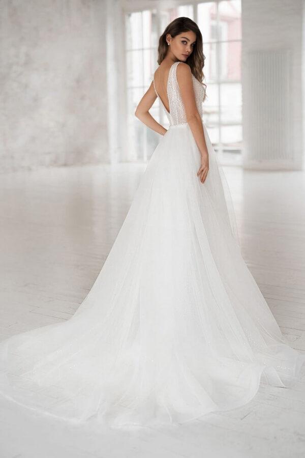 Vállpántos, csillámló flitteres, lágy esésű tüll menyasszonyi ruha 1