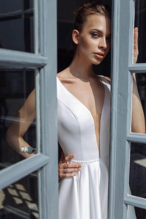 Düsszesz, vállpántos menyasszonyi ruha 1