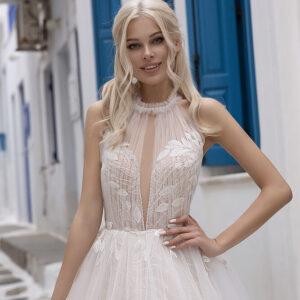 Nyakpántos tüll menyasszonyi ruha