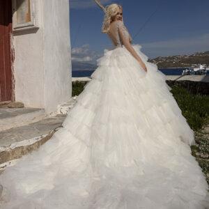 Tejfehér, tépett tüll menyasszonyi ruha 1