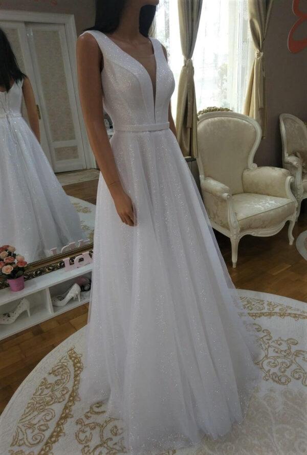 Csillámos, lágy esésű tüll menyasszonyi ruha 1