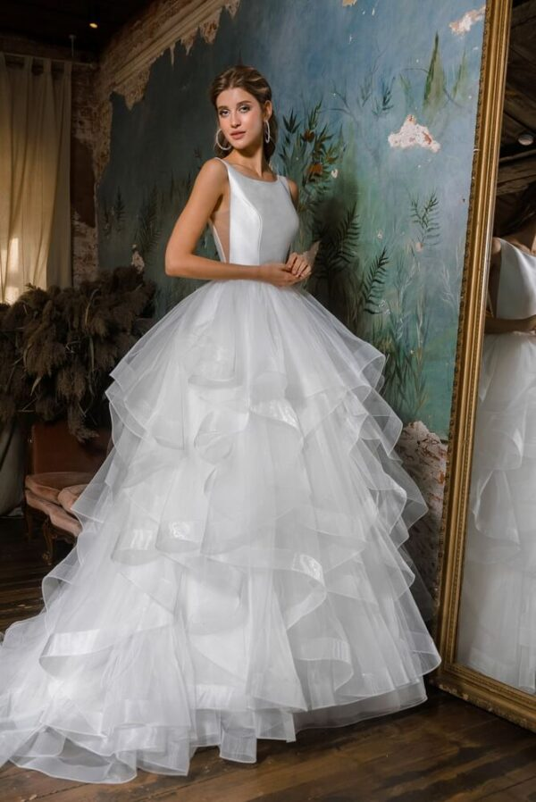 Fodros-zart-tull-szaten-menyasszonyi-ruha-1