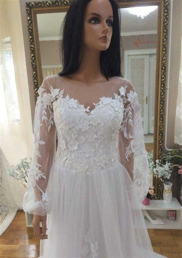 Puffos ujjas, 3d csipkés, lágy esésű tüll menyasszonyi ruha 1