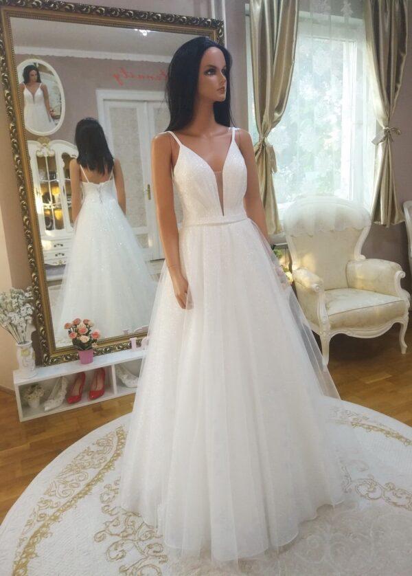 Tort-feher-vallpantos-csillamlo-menyasszonyi-ruha-1