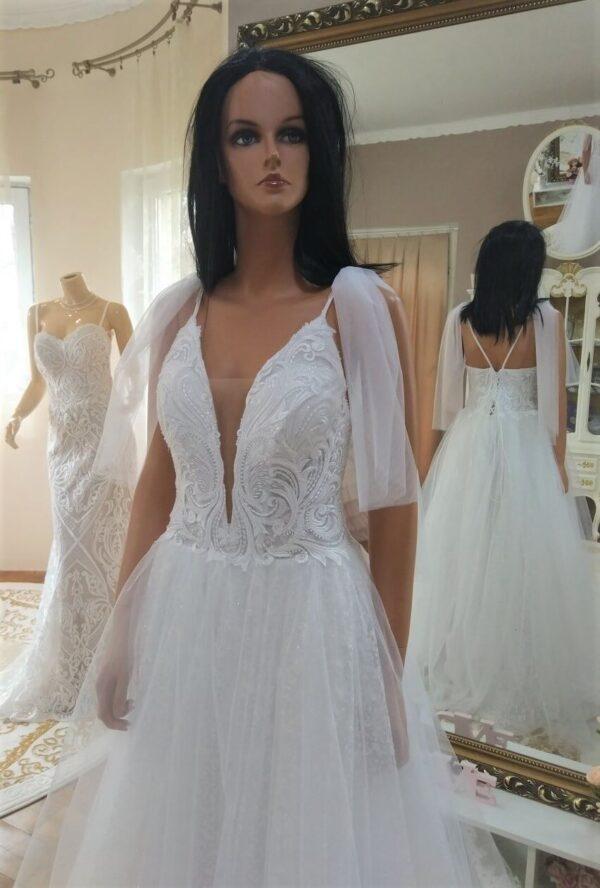 Vállpántos, csillámos. lágy eséséű tüll menyasszonyi ruha 1