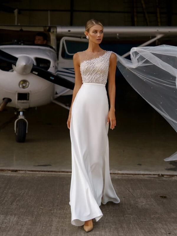 egyenes-gyongyos-selyem-menyasszonyi-ruha-1
