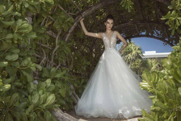ezust-csillogo-tort-feher-menyasszonyi-ruha-1