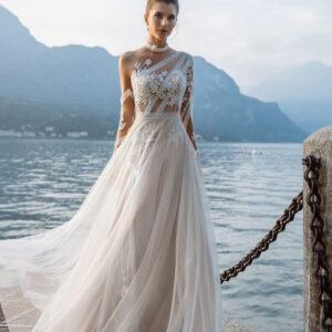 illuzio-tullos-hosszu-ujjas-lagy-esesu-menyasszonyi-ruha-1