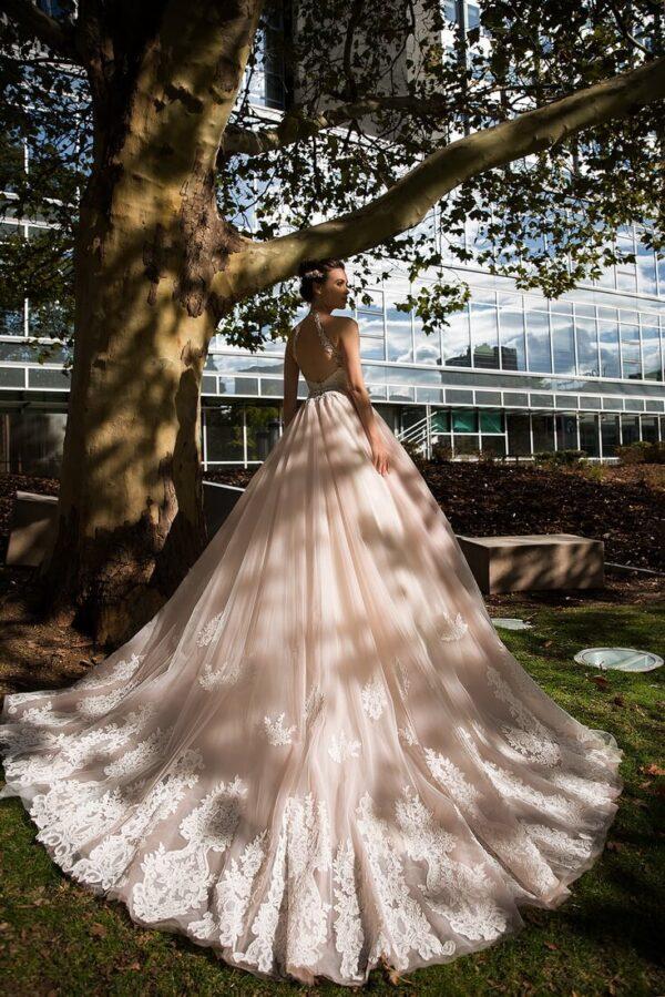 puder-rozsaszin-nyakpantos-csipke-tull-menyasszonyi-ruha-1