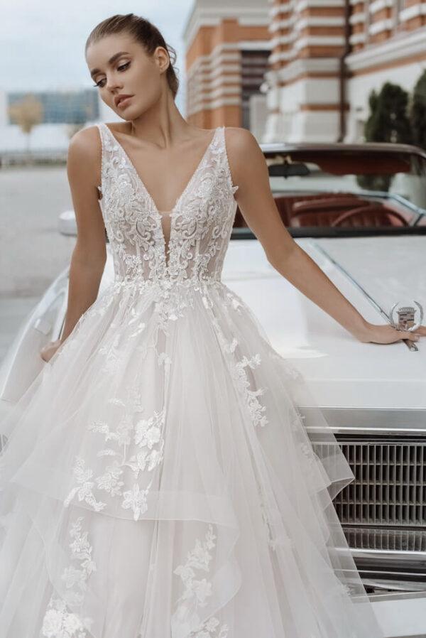 vallpantos-fodros-bali-menyasszonyi-ruha-1