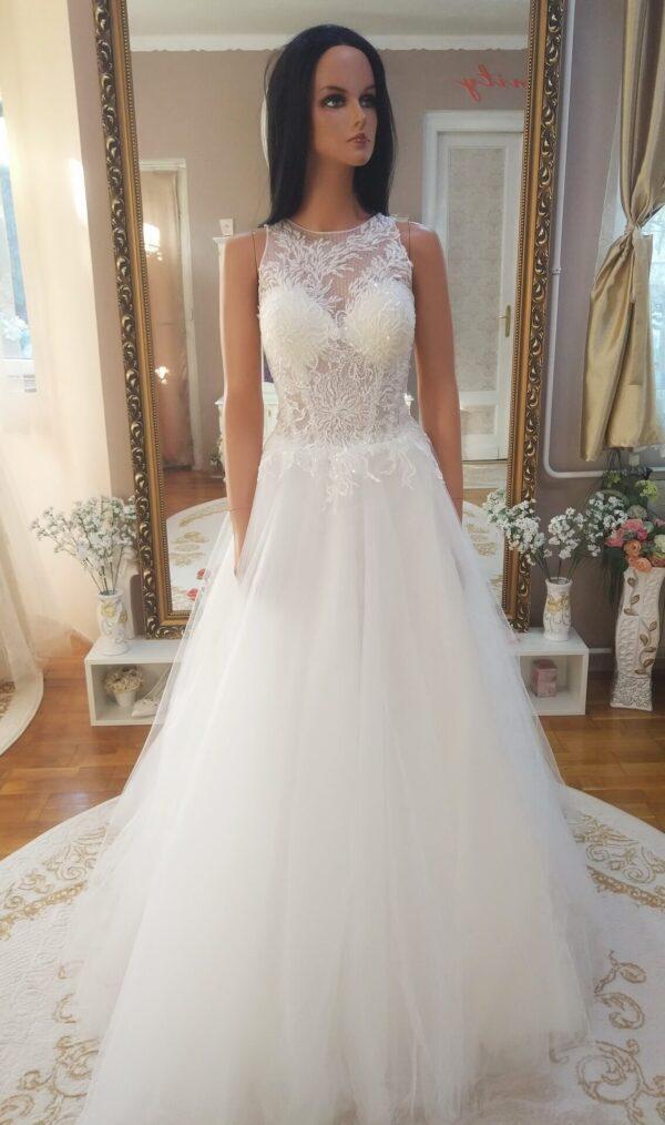 Zart-nyaku-tull-es-csipke-menyasszonyi-ruha-1