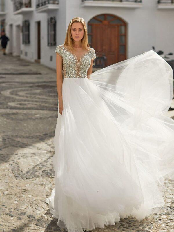 kristalyos-zart-tull-menyasszonyi-ruha-1