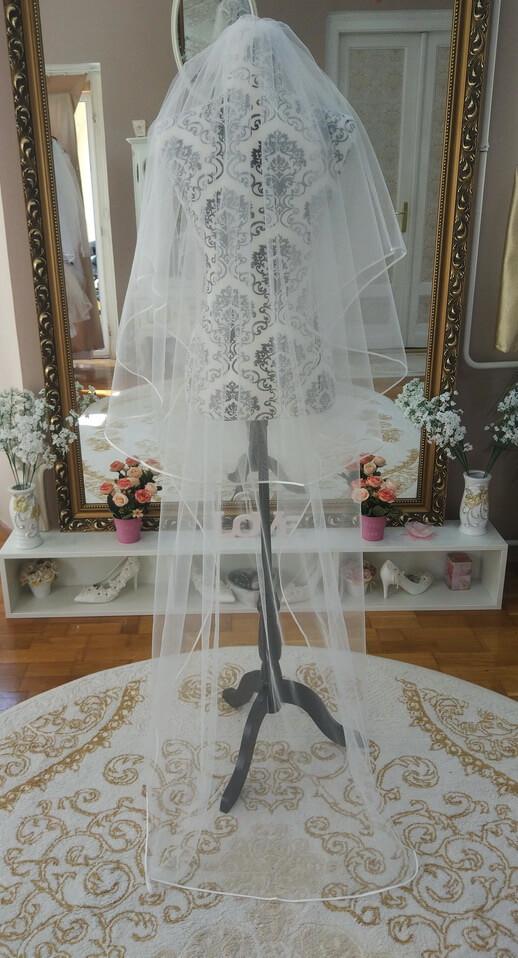 Menyasszonyi fátyol 43