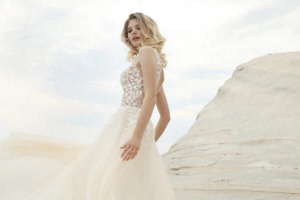 Tört fehér csipke és tüll vállpántos menyasszonyi ruha 1