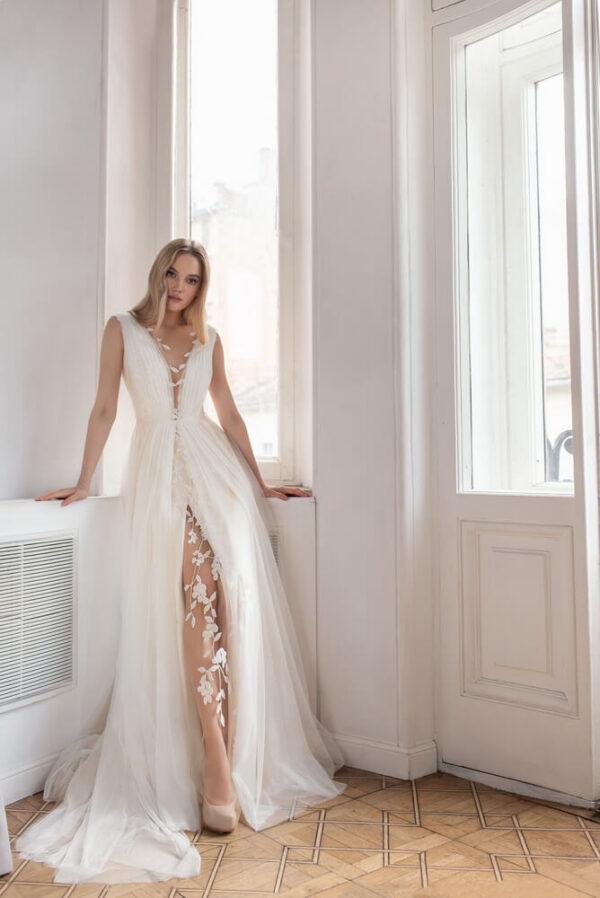 Hasitott-tull-vallpantos-menyasszonyi-ruha-1