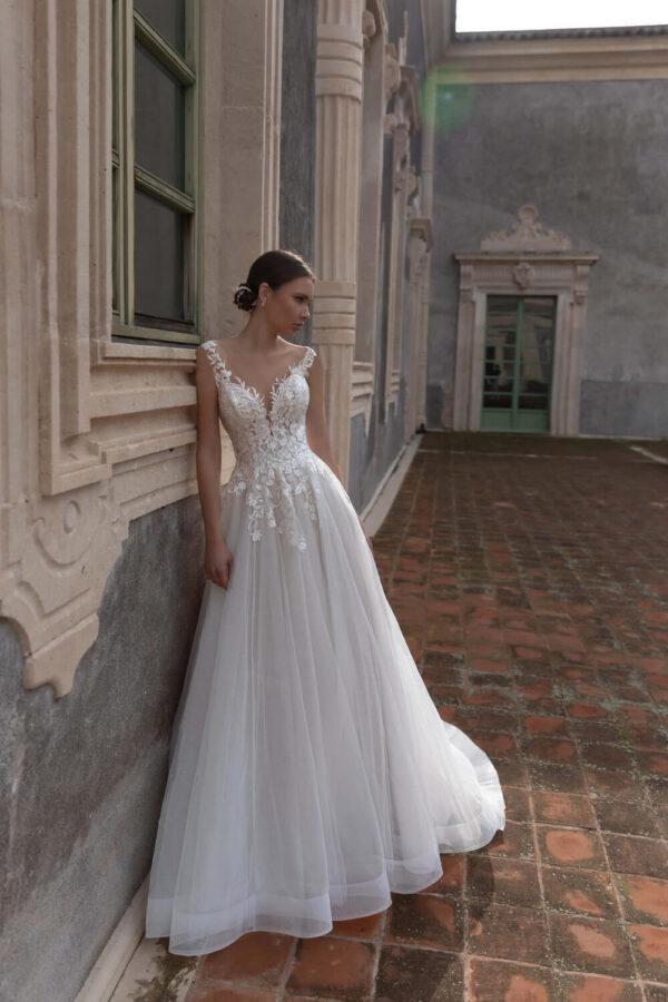 3d-viragos-lagyesesu-feher-tull-menyasszonyi-ruha-1